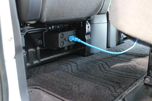 e-NV200パワープラグ(助手席後部)