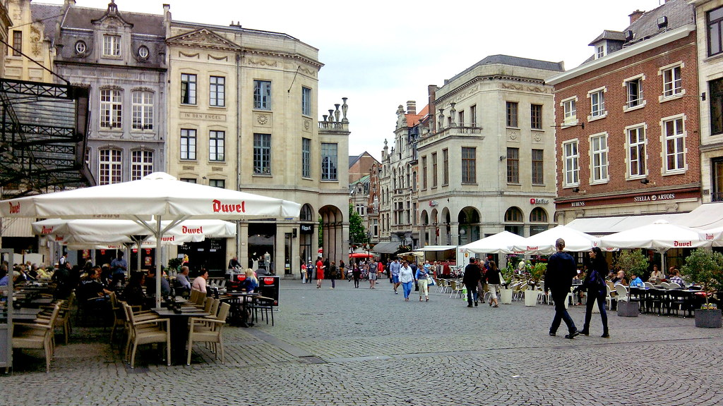 grand-place-louvain.jpg