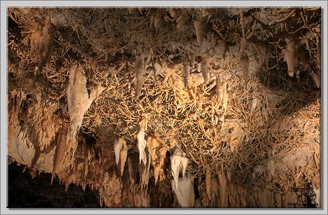 4 Valle de Carranza, Cueva de Pozalagua