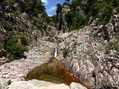 Les dernières  cascades et vasques sous le seuil de départ du canyon du Niffru