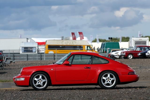 Porsche 964 Carrera.
