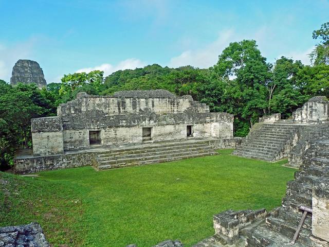 Acrópolis Central de Tikal (Guatemala)