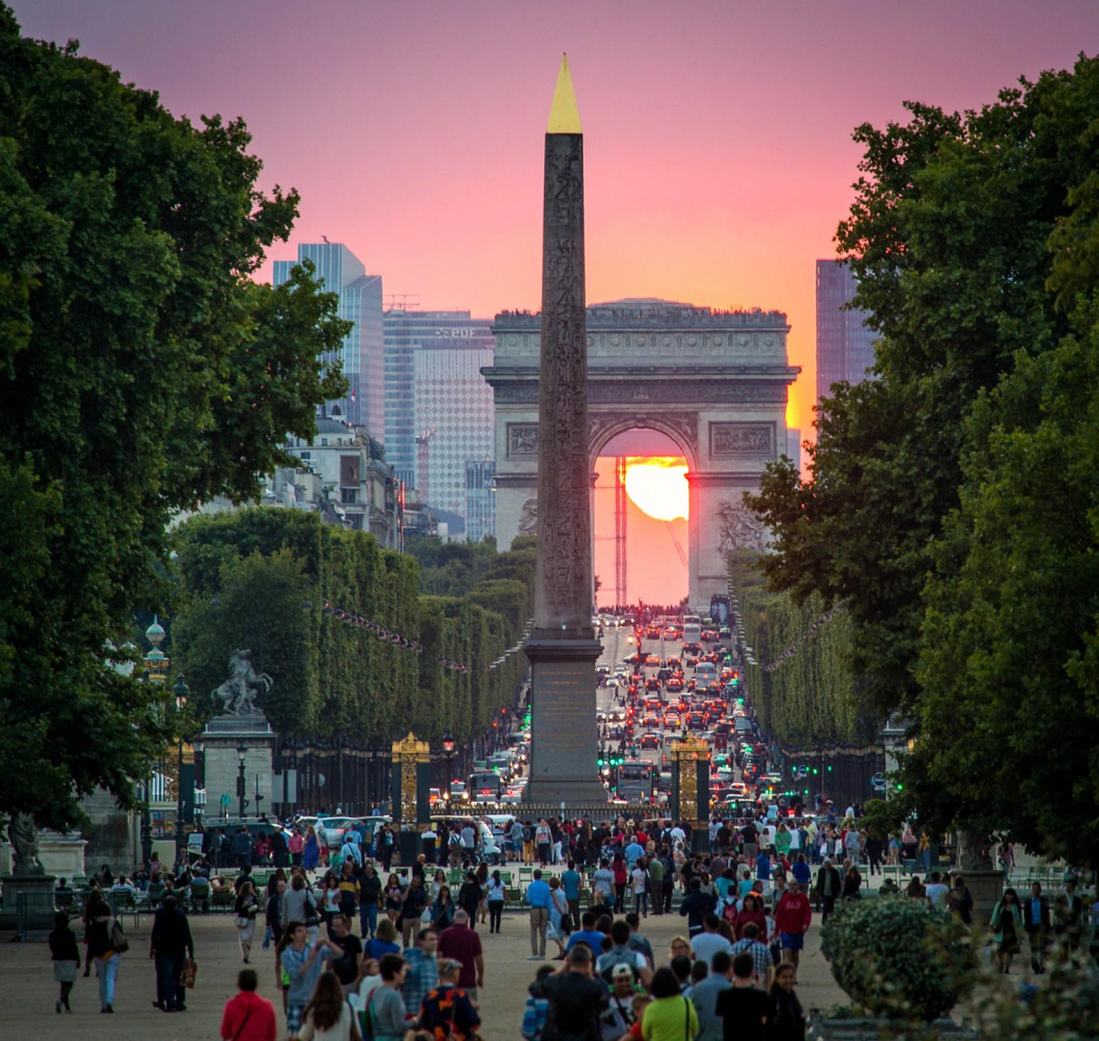 Place de la Concorde Obelisk, Champs-Élysées Masses, Arc de Triomphe, Setting Sun