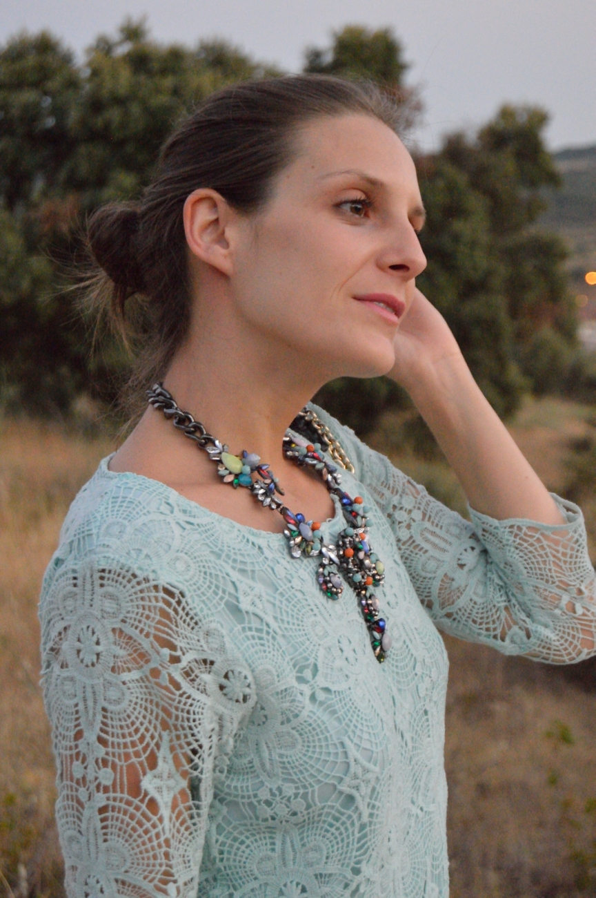 lara-vazquez-mad-lula-fashion-blog-mint-lace-dress