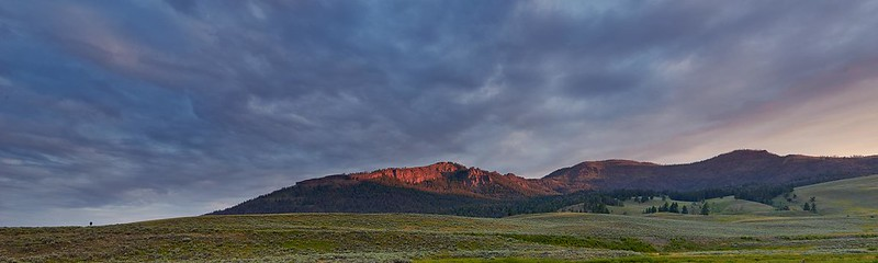 Sunrise in Lamar Valley - Yellowstone National Park