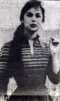 Η Αλίκη Βουγιουκλάκη σε ηλικία 15 ετών.
