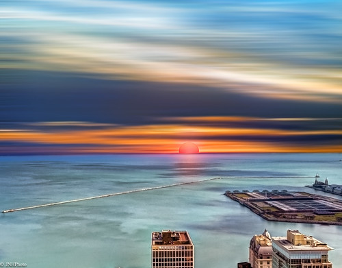 sun lake sunrise lakemichigan navypier jnhphoto