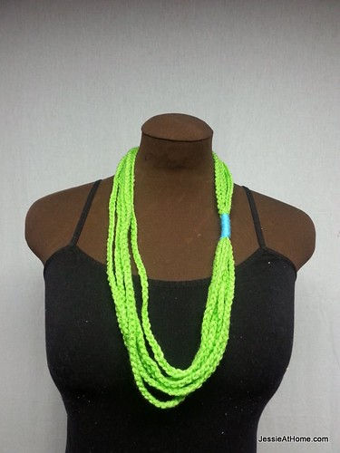 Simple-Chain-Stitch-Necklace-Green