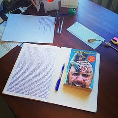 В один из длительных перелётов я написал в своём походном Молескине список ста задач, которые я хотел бы выполнить в своей жизни. Это увлекательное занятие отлично заполняет время. Его интересно повторять хотя бы раз в год, сравнивая написанное с предыдущ