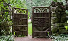 Yaddo gate