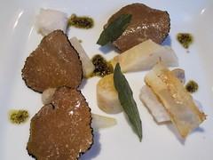 Truffe d'Été en Salade Décomposée, Quartiers de Céleri Glacé & Émulsion à la Sauge, Pulpe d'Amande Truffée
