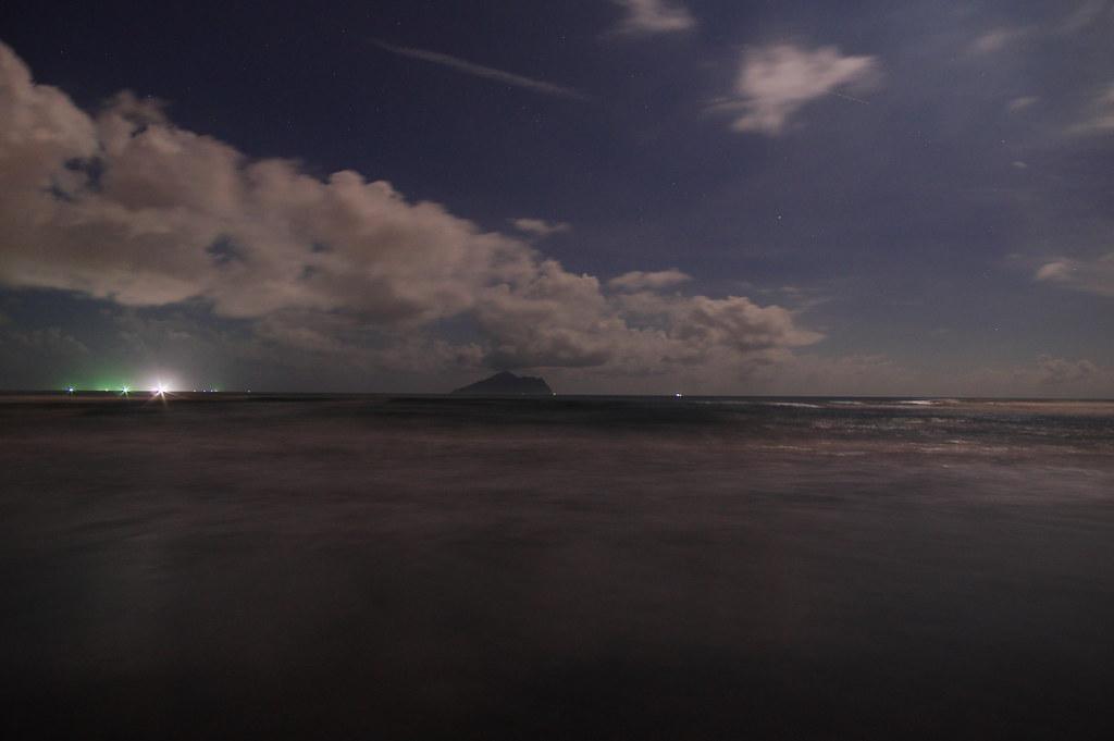 (K3/DA 14/Vivitar Series 1 70-210)頭城-外澳海水浴場 夜拍龜山島篇.