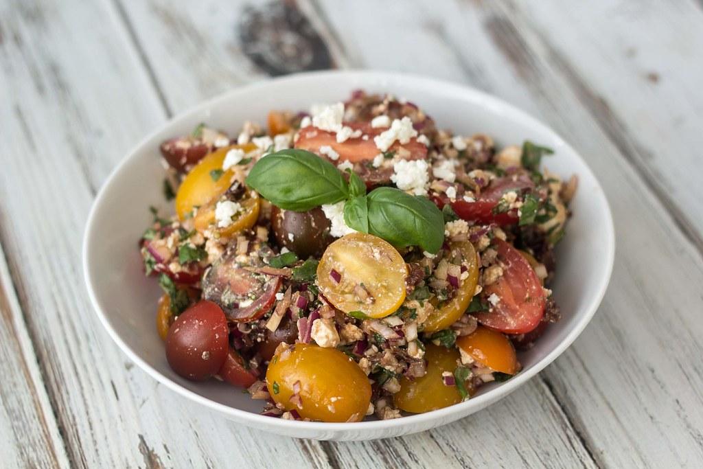 Tomatsalat med feta og basilikum (2)