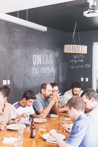 Questto Nó: QN Lab na mesa