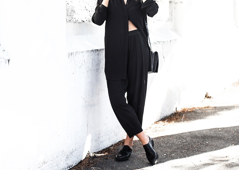 modern legacy fashion blog Australia street style all black outfit Helmut Lang oxfords Alexander Wang cross body bag slouchy pants BC oversized boyfriend shirt Ray Ban aviator sunglasses (3 of 10)