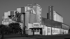 Silo - Photo of Monthoiron
