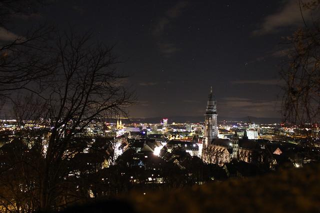 Freiburg bei Nacht III