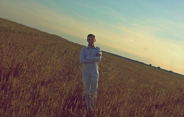 Alexandr Tikki - Horizon littered