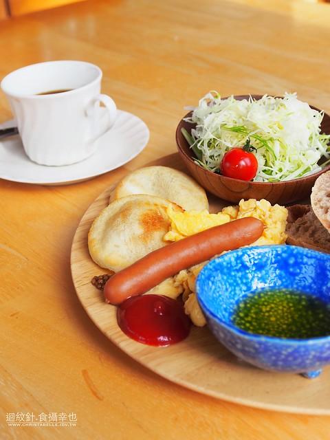 Pension Jacatra 早餐
