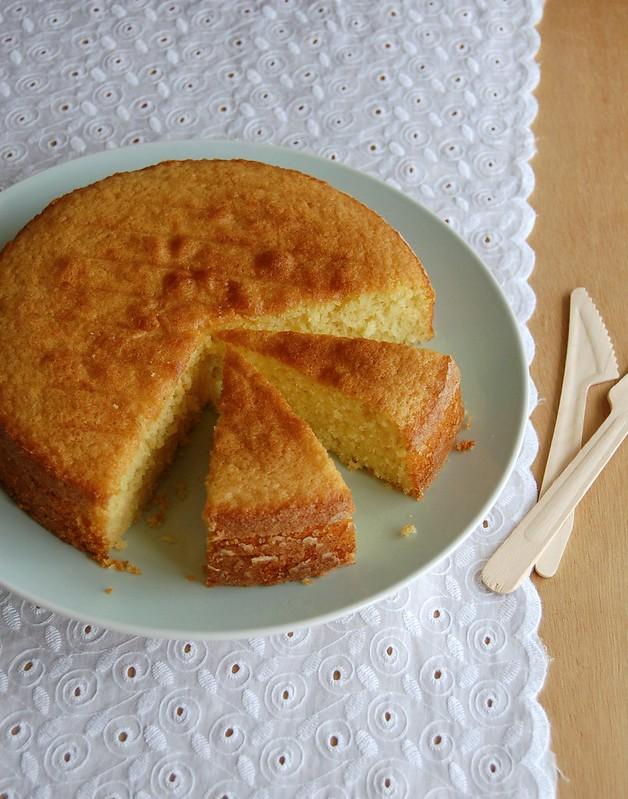 Coconut olive oil cake / Bolo de coco e azeite de oliva