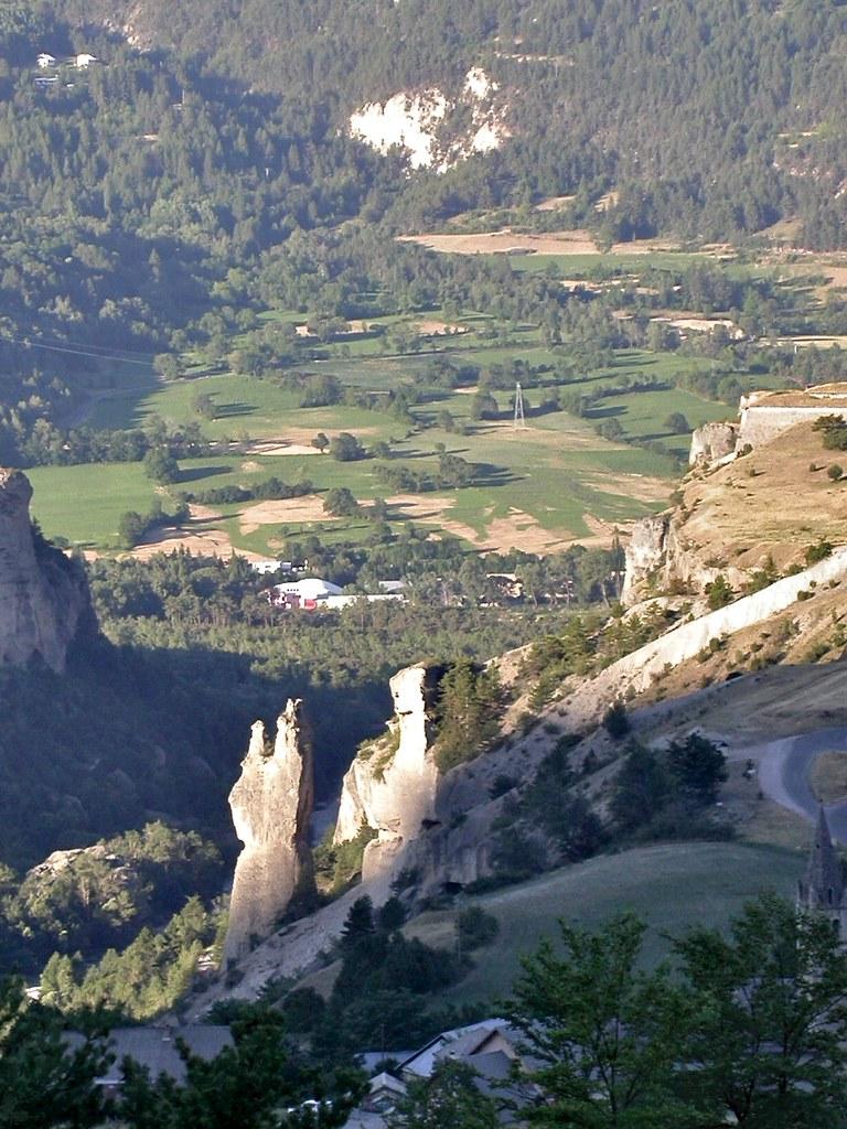 Gorges du guil hautes alpes france around guides for Hautes alpes