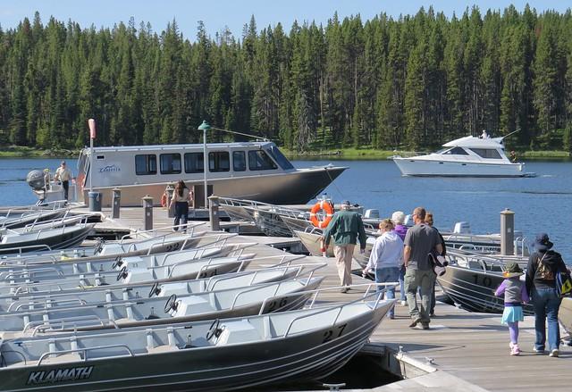 scenic boat cruise