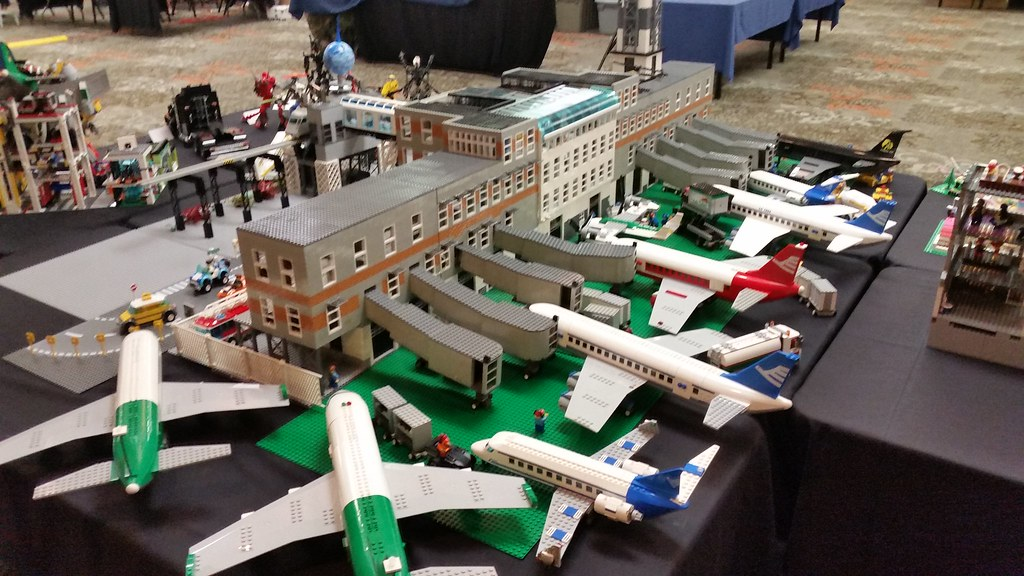 Lego Airport Gates 1 Lego Airport Over 6 Foot Long And Aro Flickr
