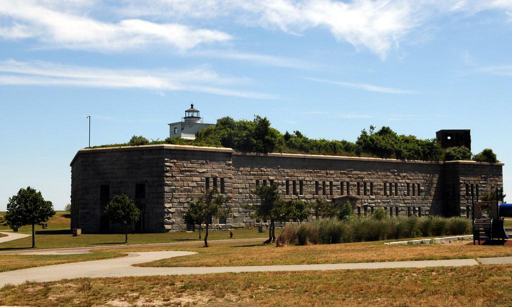 New Silver Beach Massachusetts Hotels