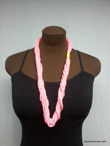 Pink-Simple-Chain-Stitch-Necklace