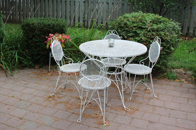 wire-patio-set