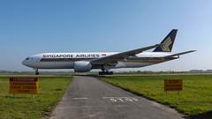 9V-SVG Singapore Airlines Boeing 777-212(ER)