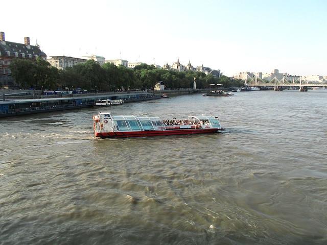 LONDON 1046