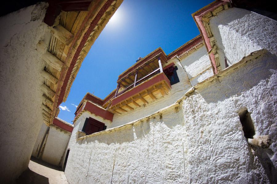 Ламаюру Гомпа (Монастырь Ламаюру), Ладакх, Индия. Монастыри Ладакха (Монастыри малого Тибета) © Kartzon Dream - авторские путешествия, авторские туры в Ладакх, тревел фото, тревел видео, фототуры