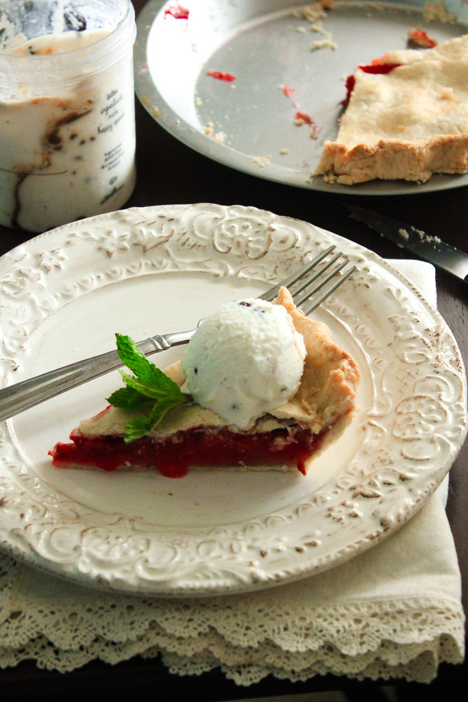 THE BEST STRAWBERRY PIE