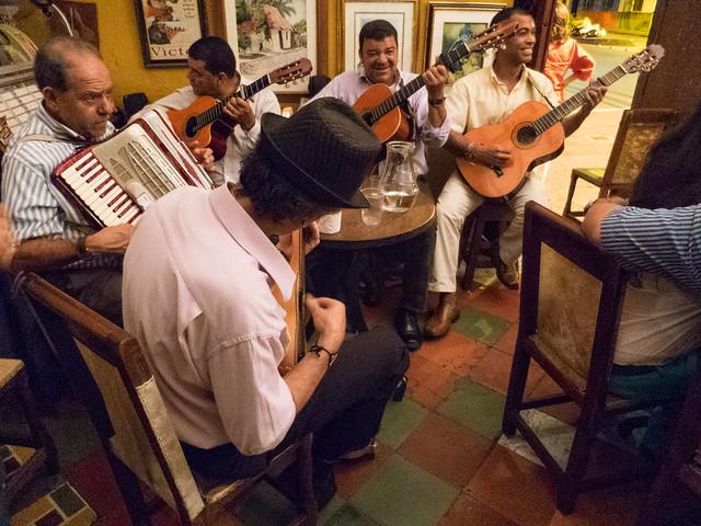 Live tango at La Cabaña del Recuerdo