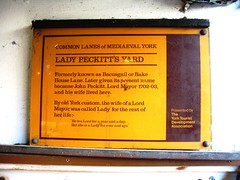 Photo of Yellow plaque number 31043