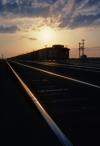 railroad sunset up silhouette train nebraska ne caboose rails unionpacific northplatte freighttrain birdwood
