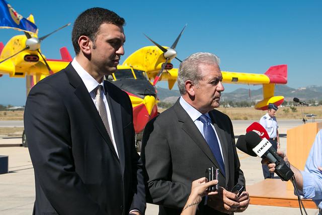 Επίσκεψη ΥΕΘΑ Δ. Αβραμόπουλου & ΥΔΤΠΤΠ Β. Κικίλια στην 355 ΜΤΜ -11/07/2014