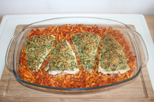 47 - Knusperfisch auf Tomatennudeln - Fertig gebacken / Crispy fish on tomato noodles - Finished baking