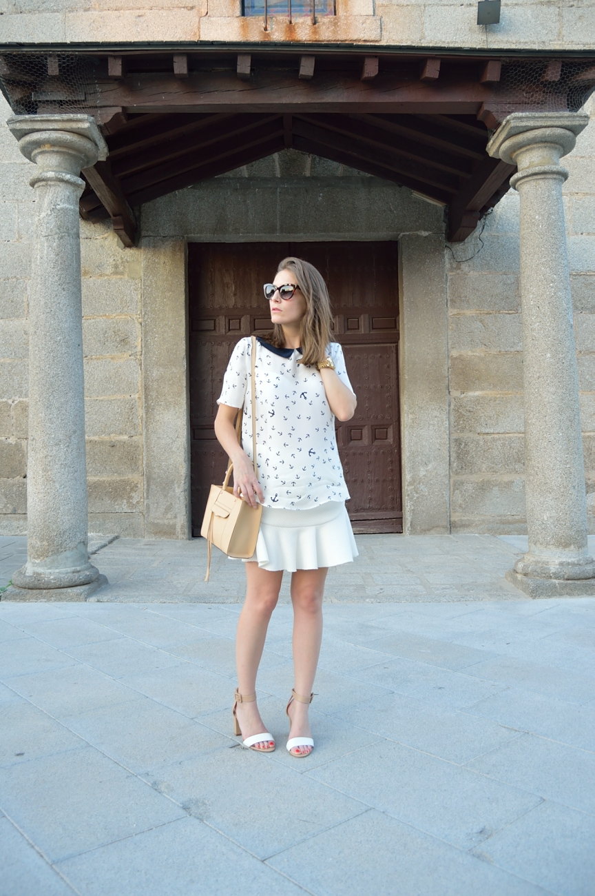lara-vazquez-mad-lula-fashion-trends-white-skirt-nautic-look