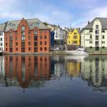 Alesund, (El puerto)