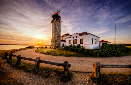 jamestown rhodeisland unitedstates beavertail light lighthouse sunset seagull sea ocean nationalregisterofhistoricplaces museum beavertaillighthousemuseumassociation active blma newengland nikon frankcgrace trigphotography hdr panorama highdynamicrange on1pics handheld