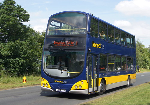 Norfolk Show buses 1/2 (c) David Bell
