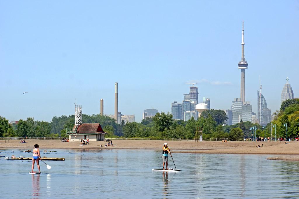 Toronto, ONTARIO-00679 The Beaches