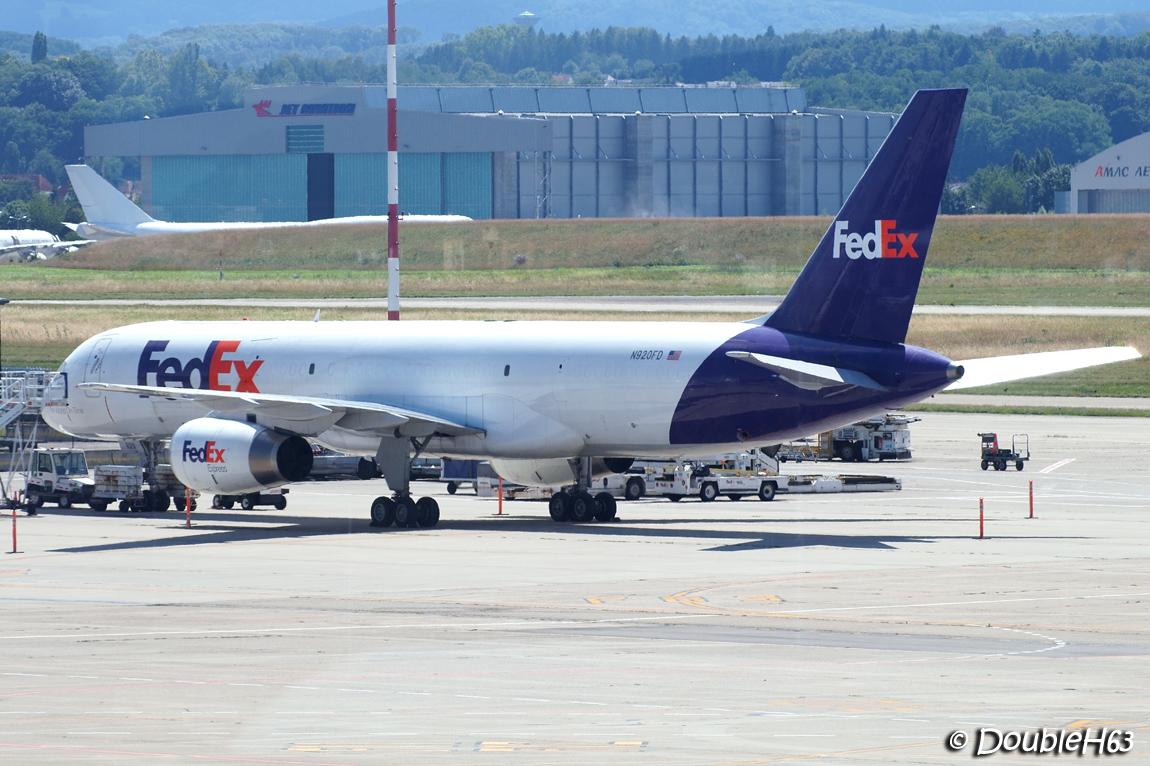 EuroAirport [BSL-LFSB] by DoubleH63 14689053282_cfdcdbfeb4_o