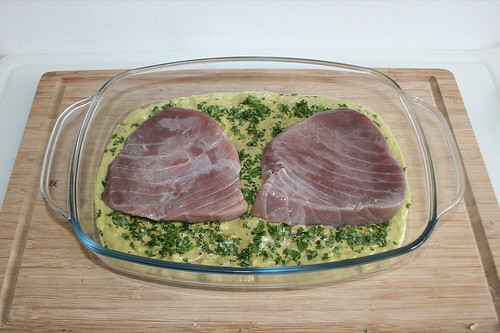 37 - Thunfischsteaks auflegen / Add tuna steaks