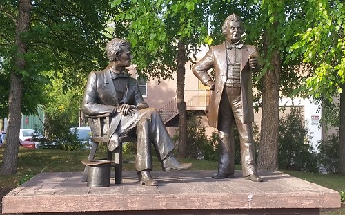 Debate Square, Freeport IL: Lincoln and Douglas