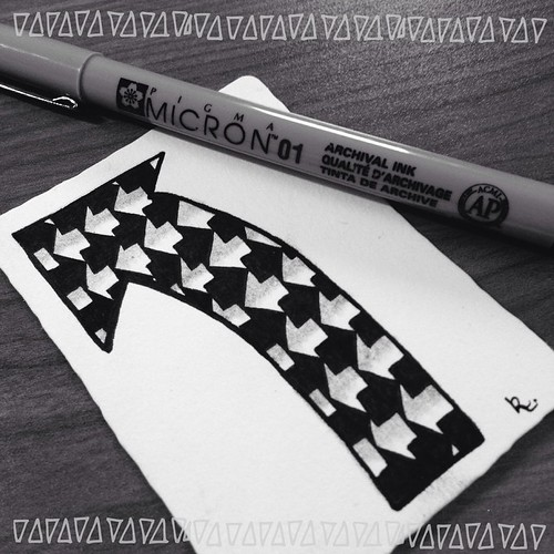 18. Arrow #fmsphotoaday #littlemomentsapp #zentangle #tangle #zia #atc
