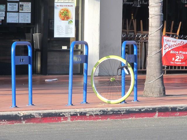 sd bike commuter lock it up. Black Bedroom Furniture Sets. Home Design Ideas