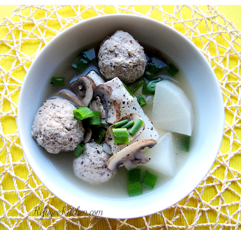 Sgnor Chai-Tau - Cambodian Daikon and Meatball Soup